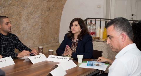 النائبة نيفين أبو رحمون (التجمع-القائمة المشتركة): حماية بناتنا وأبنائنا من العنف في الإنترنت هي مهمة وطنيّة