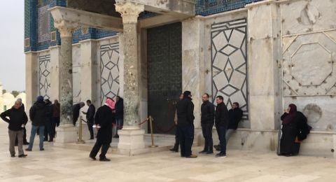 اعتقال 5 مقدسيين بعد فك الحصار عن قبة الصخرة المشرفة