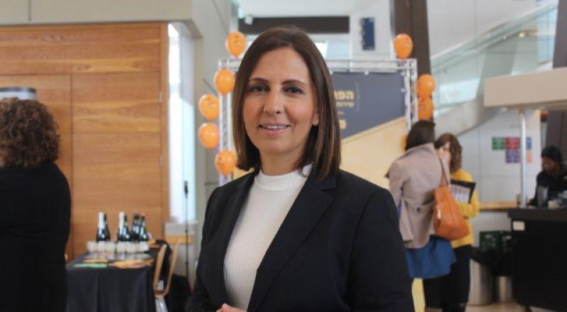 الوزيرة غمليئيل تؤكد لبكرا: هناك عقبات امام المرأة العربية تمنعها من الاندماج في سوق الاعمال الحرة