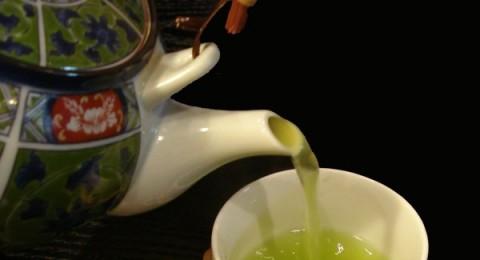 الشاي الأخضر يقي من السرطان والشوفان يحارب الكولسترول