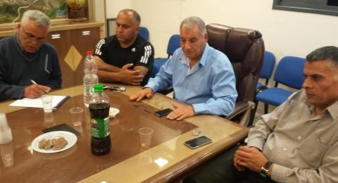 مجلس طلعة عارة ينفّذ إضراباً عقب تكرار حالات التهجم ضد موظفيه