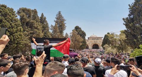 مسيرة في المسجد الأقصى دفاعًا عن الرسول .. ومواجهات مع الشرطة الاسرائيلية