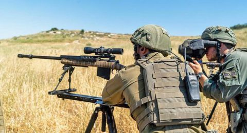 الجيش الاسرائيلي يطلق النار صوب شبان اقتربوا من السياج الفاصل جنوب غزة