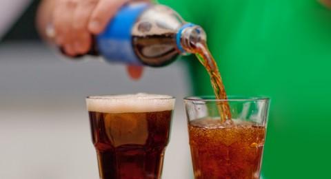 ماذا يحدث لجسمك لو تجنبت المشروبات الغازية؟