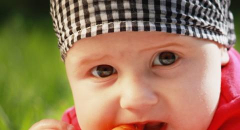5 فيتامينات هامة لصحة الرضع و الأطفال
