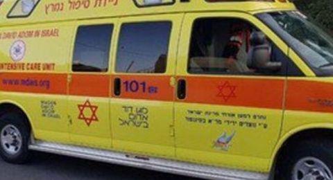 يافة الناصرة: اصابة خطرة لشاب بعد تعرضه للعنف
