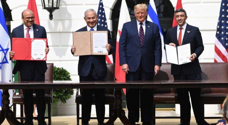 معاهدة السلام التاريخية.. هكذا علق ساسة وخبراء حول العالم