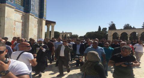 146682حملة اعتقالات بحق المتواجدين بساحات قبة الصخرة المشرفة.