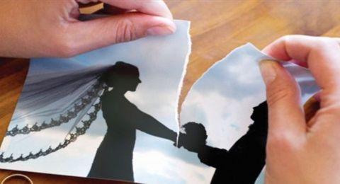 فنانة تصدم الجميع بإعلان خبر طلاقها على طريقة نادين نسيب نجيم