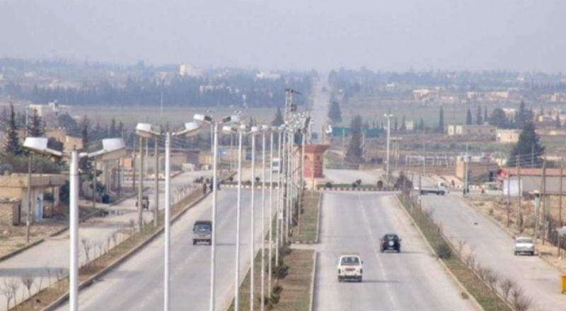 الجيش السوري ينتشر في محيط منبج ويدخل الطبقة ويقترب من الحدود التركية