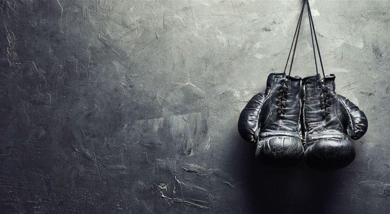 الضربة القاضية تقتل الملاكم الشهير.. هكذا لفظ أنفاسه الأخيرة!