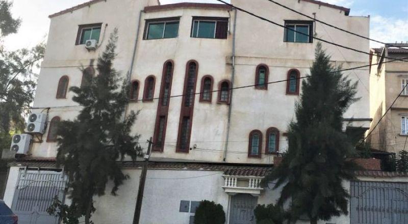 الجزائر.. السلطات في تيزي وزو تغلق أكبر كنيسة في البلاد