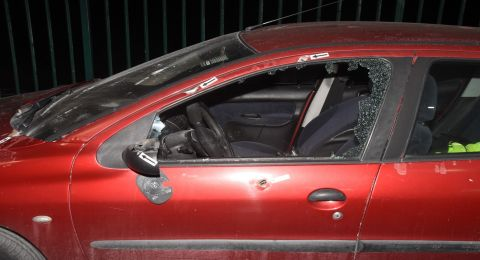 أطلقا النار على مركبة الشرطي لأنه حرر لأحدهما مخالفة 500 شيكل!