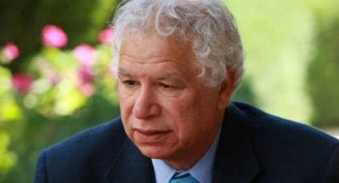 وفاة الروائي و الشاعر الفلسطيني مريد البرغوثي
