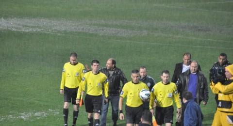 حكم المباراة يوقف مباراة سخنين ورمات غان بسبب الامطار