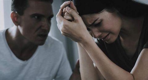 4 طرق للتعامل مع زوجك الغاضب.. اكتشفيها!
