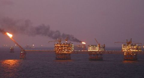 تراجع صادرات النفط السعودية إلى 6.977 مليون برميل يومياً
