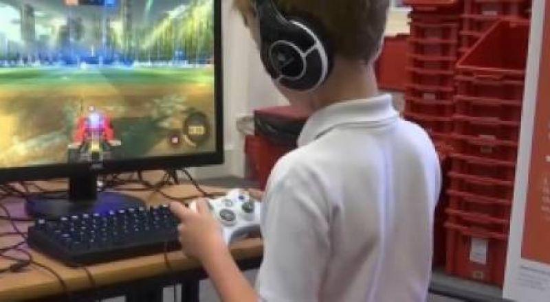 ماذا أفعل إذا كان طفلي لا يستطيع التوقف عن ألعاب الفيديو؟