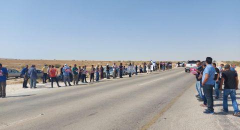 العشرات يشاركون في وقفة احتجاجية على أراضي قرية رخمه في النقب