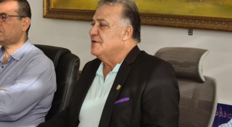 علي سلام يفتتح جلسة بلدية الناصرة بمهاجمة عمليات البيع:
