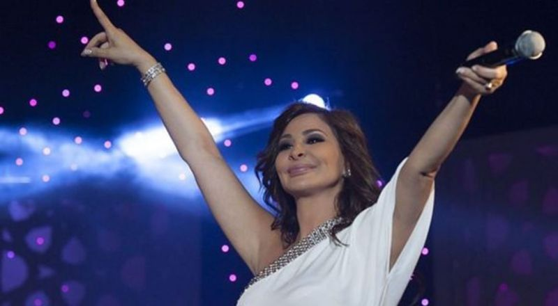 فيديو نادر لإليسا وهي تغني لميادة الحناوي منذ 28 عاما