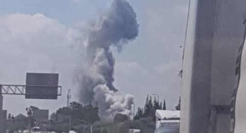 انفجار ضخم في مصنع عسكري بمركز البلاد