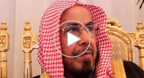 """شيخ سعودي ناصحاً أحد المتصلين: هناك شيخ اسمه """"غوغل"""" ما يستغني عنه أحد"""