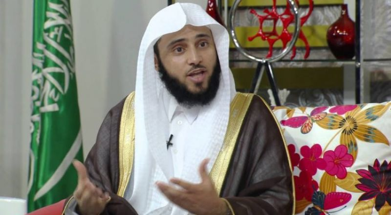 الشيخ السلمي: الملابس التي يتشارك فيها الرجال والنساء ليست من التشبه