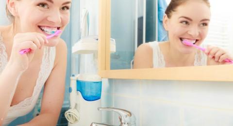 كل الطرق من أجل علاج تسوس الأسنان في المنزل!
