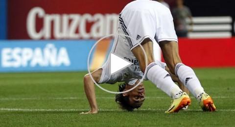جماهير ريال مدريد تحاول الاعتداء على غاريث بيل وتصب غضبها على فاران وكروس
