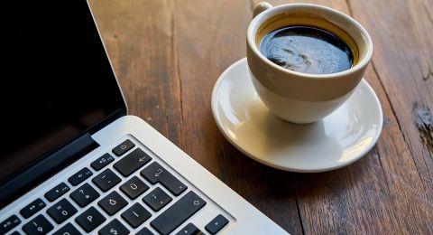 شرب القهوة قد يساعد في الشفاء من مرض جلدي