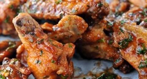 أجنحة دجاج باربيكيو بالتمر من مطبخ