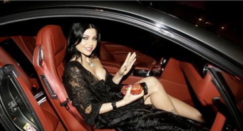 تعرف على سيارات هيفاء وهبي المفضلة!