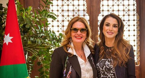 الملكة رانيا العبد الله تلتقي الفنانة يسرا في عمان