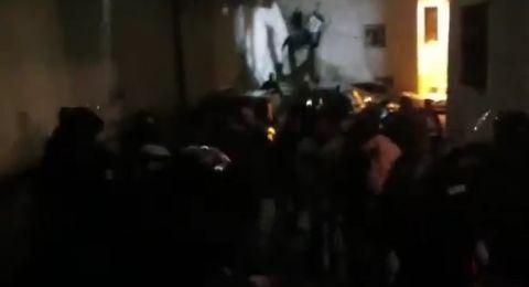 مواجهات عنيفة في العيسوية... اعتقالات وضرب واقتحام
