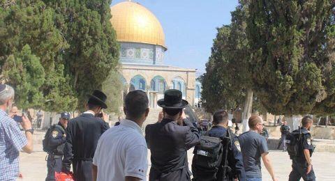 السُلطات الإسرائيلية تغلق أبوابًا بالمسجد الأقصى