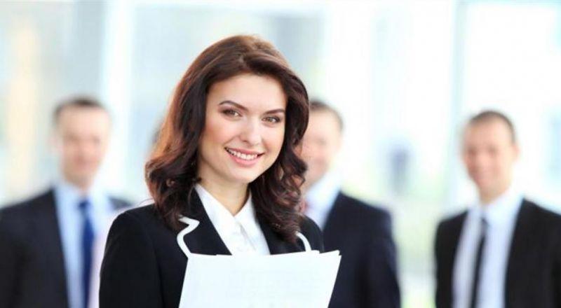 صفات تتميز بها المرأة العاملة.. ما هي؟