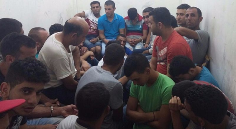 اسرائيل تسمح بدخول العمال بشرط الفلسطينيين بشرط المبيت شهر او شهرين