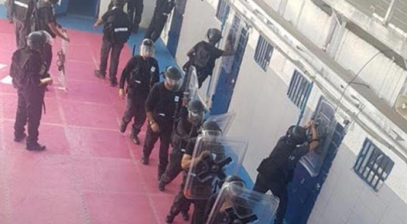 نقل 4 أسرى في سجن مجيدو إلى الحجر الصحي