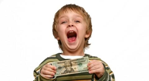 ماذا عن تدريب طفلي على التوفير والاقتصاد؟