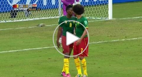 مونديال 2014 : اشتباك بين لاعبي الكاميرون بأرض الملعب بعد الخسارة أمام كرواتيا 4/0