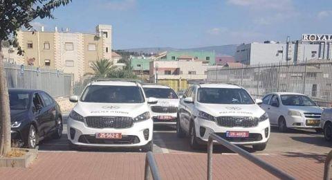سيارات من الشرطة... في تدريبات الاتحاد السخنيني لحماية اللاعبين والادارة من الجمهور