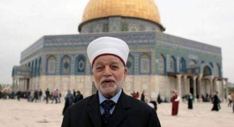 مفتي فلسطين: من يبيع أرضه للإسرائيليين لا يجوز تزويجه ولا دفنه في مقابر المسلمين