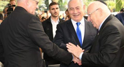صورة: نتنياهو يصافح غانتس .. وريفلين يبارك!