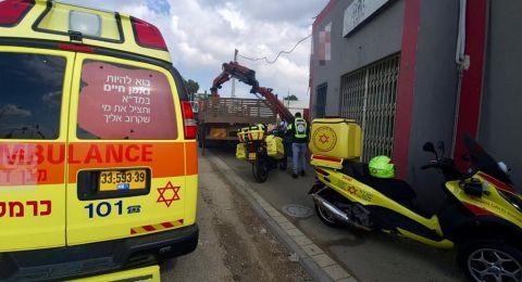 حيفا: مصرع عامل اثر سقوط رافعة عليه في مصنع