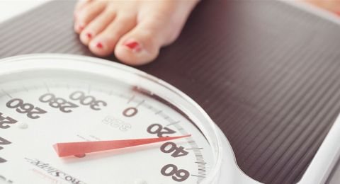 قياس الوزن يومياً.. حل خسارة الوزن؟