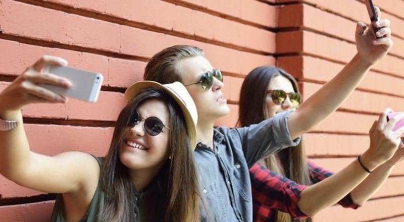 مواقع التواصل الاجتماعي تصيب المراهقين بمشاكل صحية عقلية!