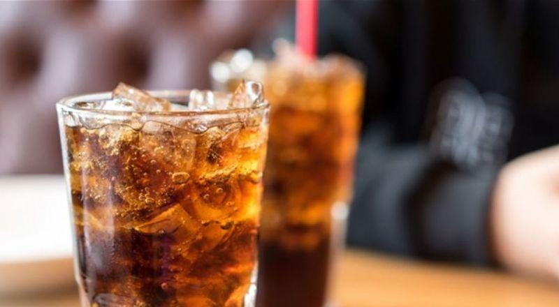 دراسة خطيرة.. كوبان من المشروبات الغازية يومياً يسببان الوفاة المبكرة!