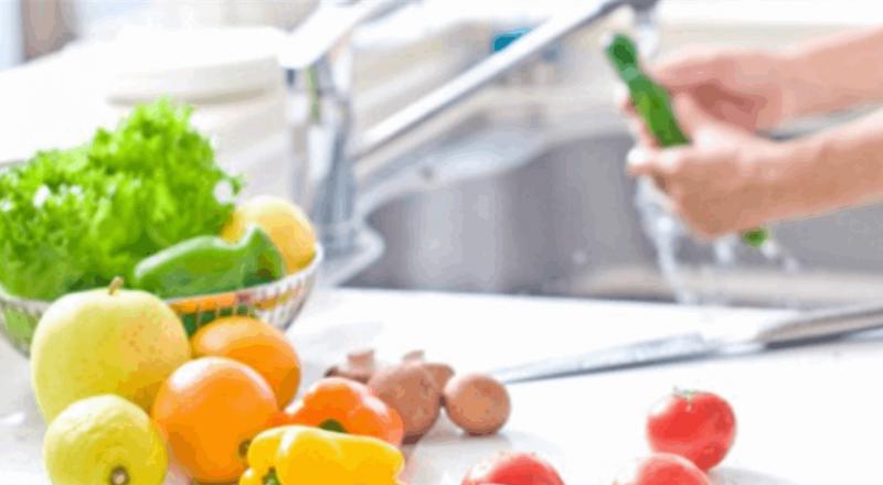 النظام الغذائي يحمي من السرطان والسكري.. كيف؟