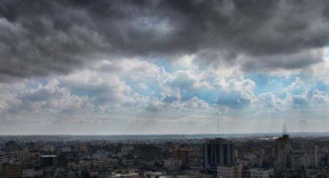 حالة الطقس: استمرار تأثر البلاد بالمنخفض الجوي وأجواء باردة